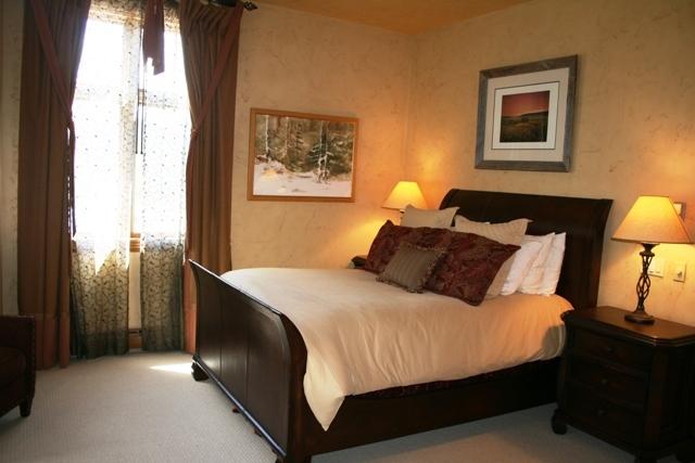 Web-Master Bedroom